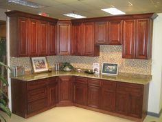 mahogany maple kitchen cabinets pictures of kitchens with maghoney stained cabinets 22985