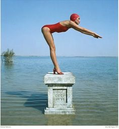 Jerry Hall photographed by Norman Parkinson for Vogue, May 1975. On location in Jamaica. S)