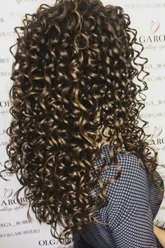 Wavy Hair Tips, Curly Hair With Bangs, Natural Wavy Hair, Long Curly Hair, Curly Hair Styles, Natural Hair Styles, Short Hair, Permed Hairstyles, Hairstyles With Bangs