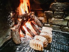 Smoked Ham, Smoked Ribs, Smoked Chicken, Coal Recipe, Thank You For Smoking, Bread Winners, Fire Food, Christmas Ham, Cooking Bread
