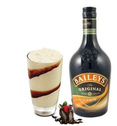 Baileys Irish Cream Mudslide 2 ounces of Bailey's Irish Cream ounce of Schmirnoff vodka ounce of Godiva Chocolate Liqueur Hersheys chocolate syrup for decoration Ice Chocolate Drink, Chocolate Liqueur, Frozen Chocolate, Chocolate Shake, Drinks Alcohol Recipes, Yummy Drinks, Cocktail Recipes, Whiskey Recipes, Cocktails
