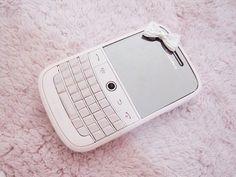 blackberry, pink, and phone image Blackberry Phones, Retro Phone, Flip Phones, Best Phone, Favim, Cute Bows, Girly Things, Random Things, Kawaii Things