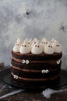 Halloween Baking, Halloween Desserts, Halloween Food For Party, Halloween Cakes, Halloween Treats, Comida De Halloween Ideas, Festa Angry Birds, Unique Birthday Cakes, Plum Cake