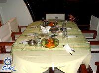 Teknede İftar    Teknede İftarTeknede İftar Yemekleri  Geniş ve şık yüzer restoranımız toplu iftar yemekleriniz için farklı bir mekan olarak hizmetinizdedir. İster zengin iftar mönümüzü tercih edin,dilerseniz kendi mönünüzü oluşturun.