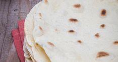 """Acest preparat aproape ca striga dupa un insotitor cremos si zemos. Fie o mancare consistenta zemoasa, fie un sos sau un prepa. Romanian Food, Bread, Cookies, Ethnic Recipes, Crack Crackers, Brot, Biscuits, Baking, Breads"