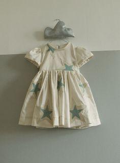 White blue star dress #stylish #finds via @LieschenMueller