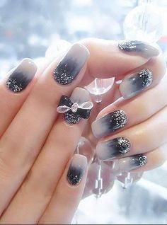 Cute prom nail designs get painting with these cute nail designs! Glitter Gradient Nails, Gradient Nail Design, Nails Design, Sparkle Nails, Acrylic Nails, Black And White Nail Art, White Nails, Black Nails, Black Tie