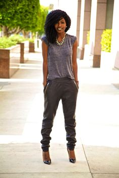 casual but sassy.  LOVE this outfit! | Style Pantry