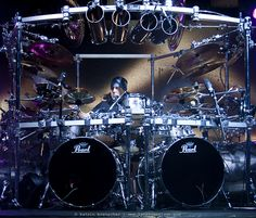 Mike Mangini (Dream Theater) - Real Drummers will appreciate this guy! Sound Of Music, Kinds Of Music, Mike Mangini, Gi Joe, Best Drums, Pearl Drums, Les Artisans, Drum Music, Dream Theater