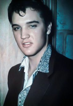 Me at the youth centre. I hate this PHOTO 📷 Love always Elvis xxx Elvis Quotes, Young Elvis, Youth Center, Elvis Presley Photos, Priscilla Presley, Rockn Roll, Graceland, Country Music, Rockabilly