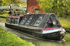 narrow boat vulcan near braunston junction, uk.