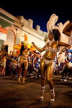 Carnival Fashion, Carnival Girl, Montevideo, Caribbean Queen, Caribbean Carnival, Carnival Festival, International Festival, Places In Europe, Papi