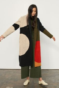 Style Fashion Tips Secondhand & Organic Wool or Cashmere-Alternative Sweaters.Style Fashion Tips Secondhand & Organic Wool or Cashmere-Alternative Sweaters Look Fashion, Winter Fashion, Fashion Design, French Fashion, Fashion Clothes, Spring Fashion, Mens Fashion, Sonia Delaunay, Style Outfits