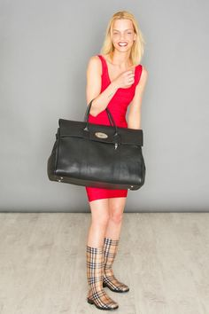 Size does matter.. ;-) / MULBERRY - Bag / HERVE LEGER - Red Bodycon Dress / BURBERRY - Rain Boots