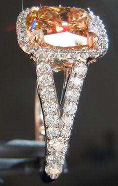 Cushion cut diamonds | Fancy Yellow Diamond | Loose Diamonds