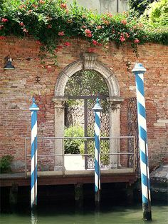 Naples, Venice Painting, Photos Voyages, Rome, Hostel, Wonders Of The World, Villa, Outdoor Structures, Island