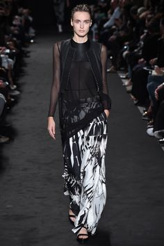 Ann Demeulemeester Spring/Summer 2016 Fashion Show