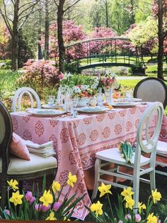 Seaside Home Decor, Southern Ladies, Newport Beach, My Dream, Entertaining, Table Decorations, Furniture, Outdoors, Magazine