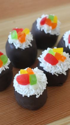 With these chocolate cake pops, sushi doesn't have to end at dinner.