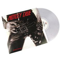 """L'album debutto dell'affascinante gruppo rock inglese 'Mötley Crüe' è intitolato """"Too Fast For Love"""". In contrasto con gli altri album dei 'Mötley Crüe', con influenze punk, cosa che può essere dovuta ai tempi in cui è stato registrato. I testi parlano di eventi accaduti ai membri della band."""