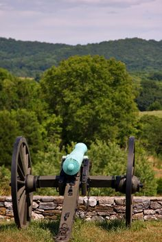 Canon overlooking Antietam Battlefield, Civil War site, Maryland - Wherever It Takes: WiTList - War Destinations