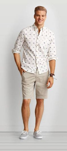 From cargo and flat front to prep and swim trunk, find your new favorite Men's Shorts at American Eagle Outfitters.