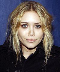 make up running Mary Kate Olsen, Celebrity Red Carpet, Celebrity Makeup, Red Carpet Makeup, Eye Makeup, Hair Makeup, Smoky Eye, Shoulder Length Hair, Blake Lively