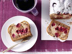 Marmorkuchen mit Sauerkirschen - und Buttermilch - smarter - Kalorien: 171 Kcal - Zeit: 25 Min. | eatsmarter.de