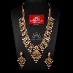 Semilong Guttapusalu with Emerald Highlights! Gold Jhumka Earrings, Jewelry Design Earrings, Gold Earrings Designs, Gold Jewellery Design, Necklace Designs, Gold Necklace, Gold Designs, Bead Jewellery, Temple Jewellery