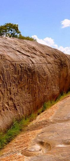 Ingá Stone - Paraíba - Brazil - It is a rock formation in gneiss which covers an area of approximately 250 m². It's a vertical wall 46 meters long by 3.8 meters high with entries whose meanings are unknown. In this set are carved in low relief, several figures, animals, fruits, and humans and constellations like Orion and The Milky Way.