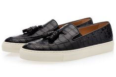 Black genuine crocodile slip-on sneakers with tassels. The genuine Mississippiensis Crocodile leather used has been imported from US. Mens Slip On Sneakers, Winter Sneakers, Slip On Shoes, Sneakers Fashion, Fashion Shoes, Mens Fashion, Loafer Shoes, Loafers Men, Penny Loafers