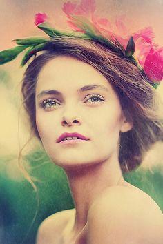 Makeup: Patrycja Pindelak. Photographer: Koty 2 Photostorytellers #romantic #wistful