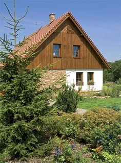 Znásobená pohoda | Chatař & Chalupář Arte Popular, Exterior Design, Cottages, Cabin, House Styles, Garden, Ideas, Home Decor, Cabins