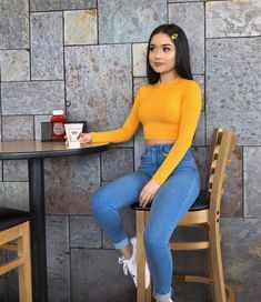 45 Cute Back to School Outfit Ideas for Teen Girls - Houzmag Cute Swag Outfits, Cute Comfy Outfits, Dope Outfits, Simple Outfits, Stylish Outfits, Yellow Outfits, Converse Outfits, Teenage Girl Outfits, Teenager Outfits
