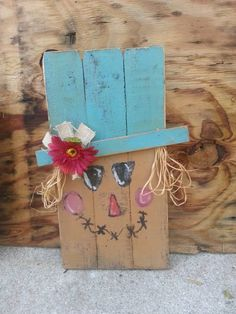Primitive country rustic scarecrow head out of upcycled recycled fence pallet boards