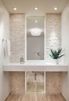 ¡Fachadas de piedra dentro de tu baño! #fachadasdecasasconpiedra #bañosmodernos