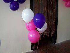 Uçan balonlar, doğum günü, yıl dönümü ya da her hangi bir kutlamada sıkça kullanılan süs ürünleridir. Çok sayıda balonun hazırlanıp süsleme yapıldığı durumlarda