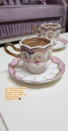 Creative Instagram Stories, Instagram Story Ideas, Coffee Corner, Coffee Love, Cute Girl Photo, Turkish Coffee, Drinking Tea, Digital Art Girl, Tea Cups