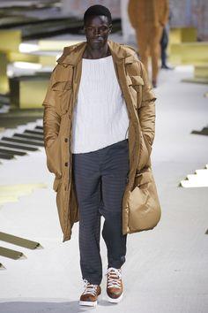See the complete Ermenegildo Zegna Fall 2017 Menswear collection.