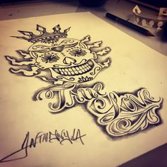 #draw #dessin  #flowers #sketch #ink #inked #tattoo #tatouage #arts #tattooarts #ideetattouage #france #lille #girl #girltattoo #boy #boytattoo #skull #tetedemortmexicaine #mexicanskull #sugarskull #crown