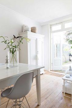 Gravity Home : White home in The Netherlands via VT Wonen...