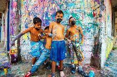 #Repost @popayanart  Fotografía: Yamil Alegría Edición: Nervio Gráfico  #SobreFondoBlanco gran evento por nuestros amigos del #colectivomonareta  Festival de #muralismo e  el barrio Alfonso Lopez  #arte #arteenpopayán #streetart #arteurbano #painting #popayánart #popayanco