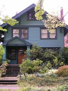 I like this exterior paint color scheme house colors дом. Exterior Paint Schemes, Best Exterior Paint, Exterior Paint Colors For House, Paint Colors For Home, Exterior Colors, Exterior Design, Craftsman Bungalow Exterior, Craftsman Bungalows, Craftsman Homes