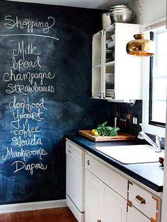 La lista de la compra, en la pared ¿Te animas a pintar en la cocina una pared con pintura pizarra?