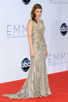Kate Mara dazzled in an intricately embroidered Badgley Mischka gown.