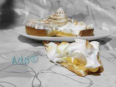 #Este finde os traigo una #deliciosa #receta muy de moda, el #Lemonpie  ó la #Tarta de #Limón y #Merengue #Americana    ● INGREDIENTES:  • Para la base:  - Pasta brise (masa quebrada)  - Legumbres  • Para la crema de Limón:  -80ml de zumo de limón  -Ralladura ...