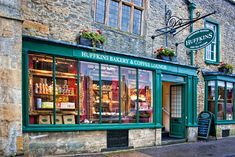 stow on the wold england | Huffkins Bakery and Coffee Lounge. Stow-on-the-Wold is a market town ...