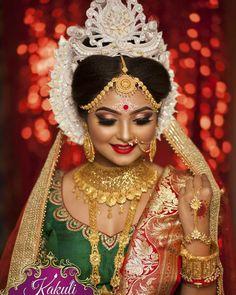 Indian Bride Poses, Indian Wedding Bride, Bengali Wedding, India Wedding, Bridal Chuda, Bengali Bridal Makeup, Bengali Bride, Bridal Lehenga Collection, Bridal Makeover