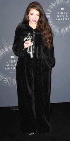 Video Music Awards 2014 Red Carpet Arrivals - Lorde in a Chanel jumpsuit and Lorraine Schwartz jewelry #InStyle