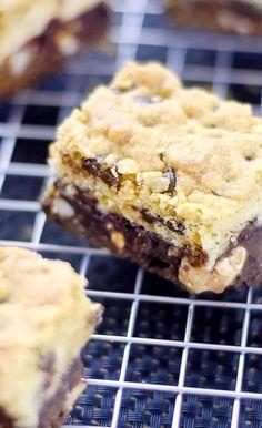 Brookies: The brilliant mix of brownies and cookies - Backen Brownie Desserts, Oreo Dessert, Cheesecake Desserts, Brownie Cake, Dessert Bars, Chocolate Desserts, Chewy Brownies, Blondie Brownies, Avocado Dessert